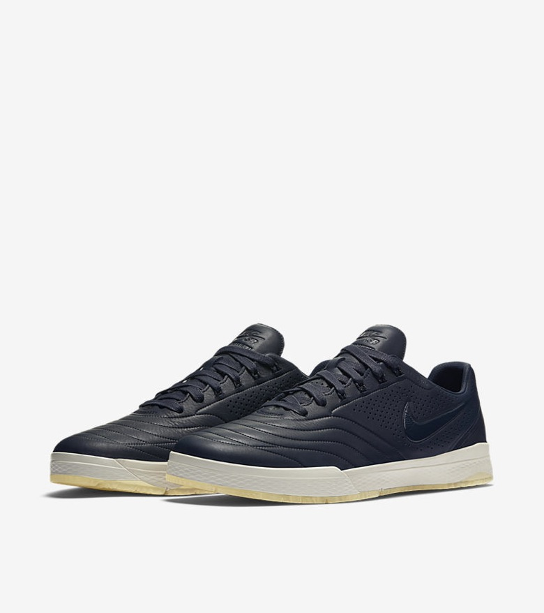 Nike-SB-x-Nike-FB-Premium-Pack-06