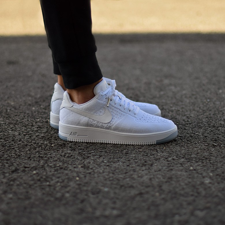 grand choix de 43393 2cd0c Nike Air Force 1 Low Ultra Flyknit White - Sneakers.fr