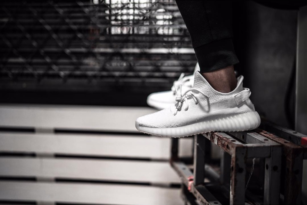 clearance adidas yeezy boost 350 v2 triple blanc where to acheter ... 81dda0378