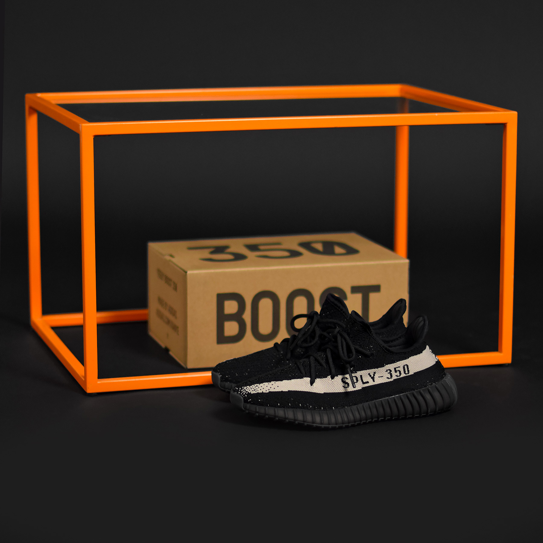 adidas yeezy 350 v2 black white