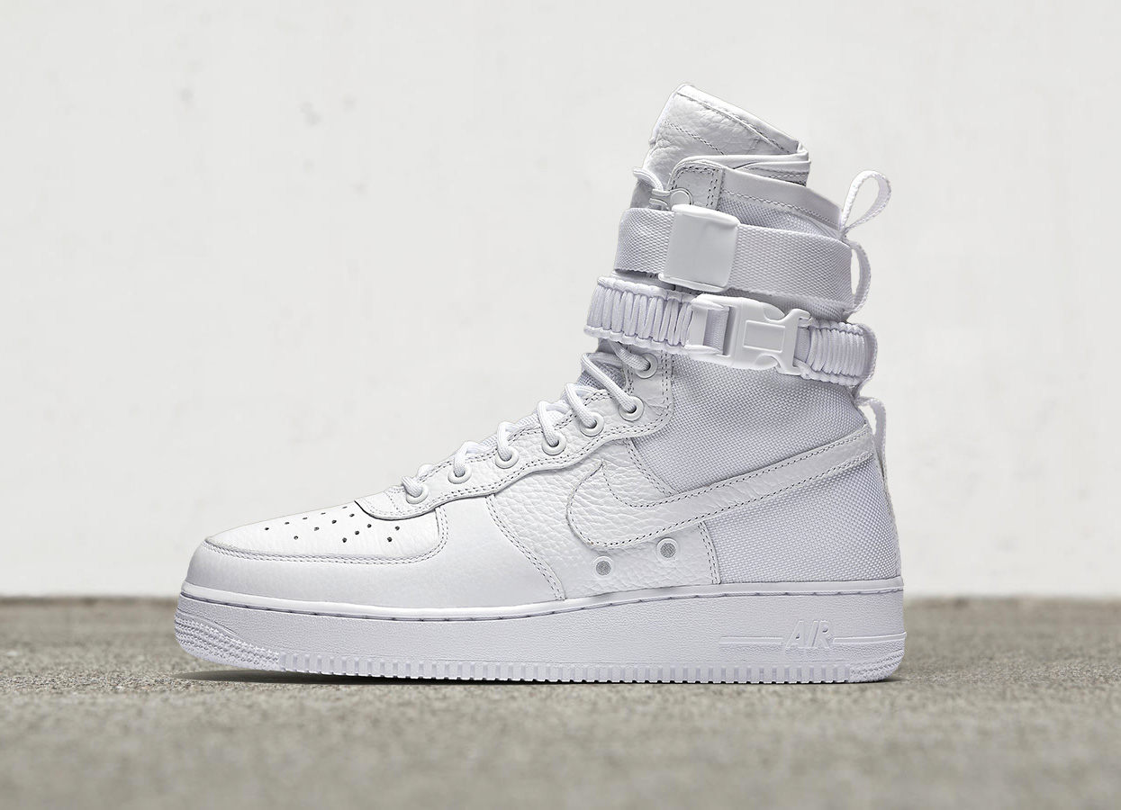 nike special field air force 1 triple white. Black Bedroom Furniture Sets. Home Design Ideas