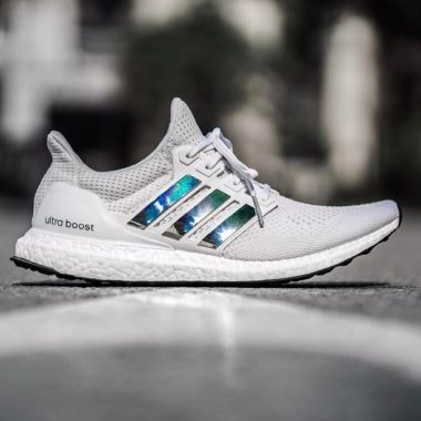 adidas ultra boost 3.0 iridescent