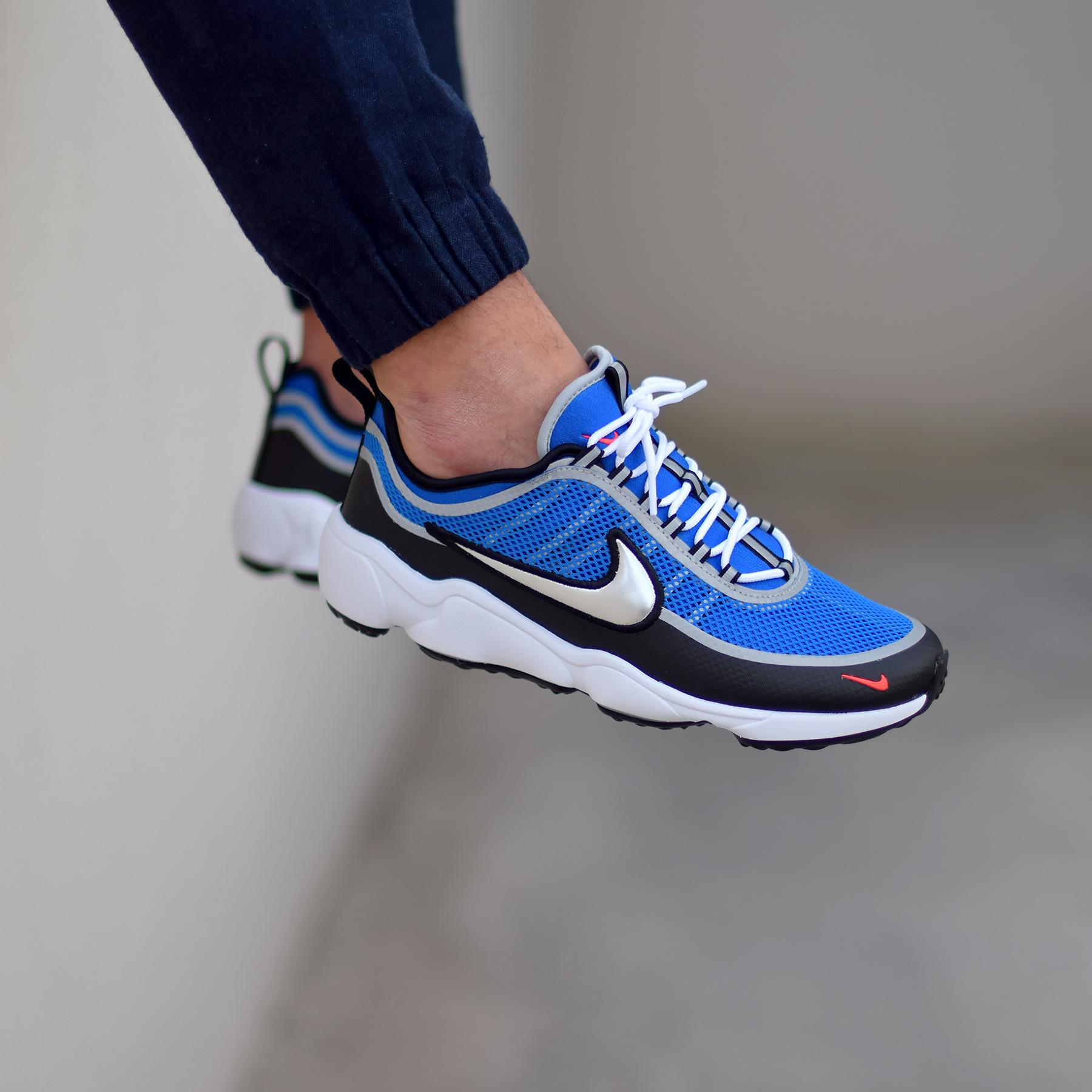 check out c0d80 59c17 La Nike Air Zoom Spiridon Ultra Regal Blue arrive pour le mois d avril 2017.