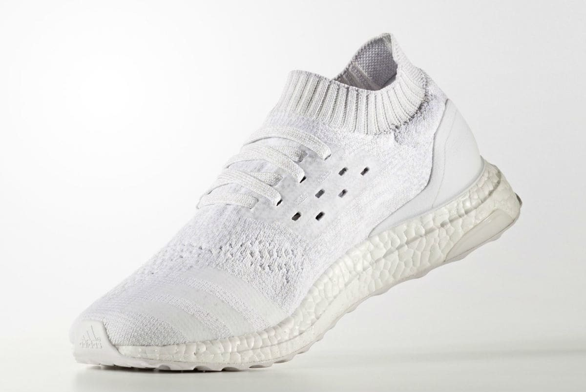 ... top quality ladidas ultra boost uncaged triple white disponible cet  été. a06bf c46e9 3fcb9fb21