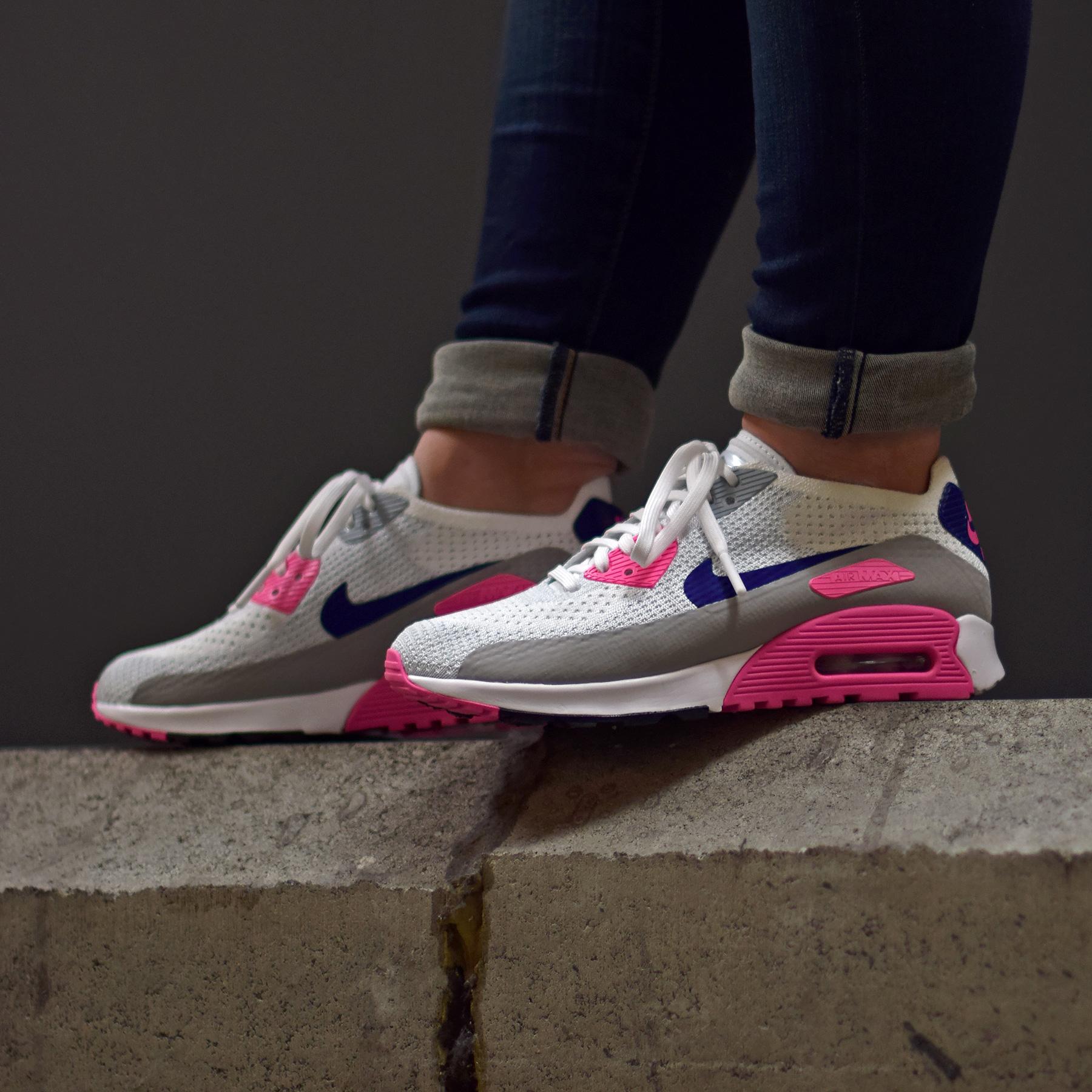 Le coloris OG appliqué sur la mouture moderne : Nike W Air Max 90 Ultra 2.0 Flyknit Concord.