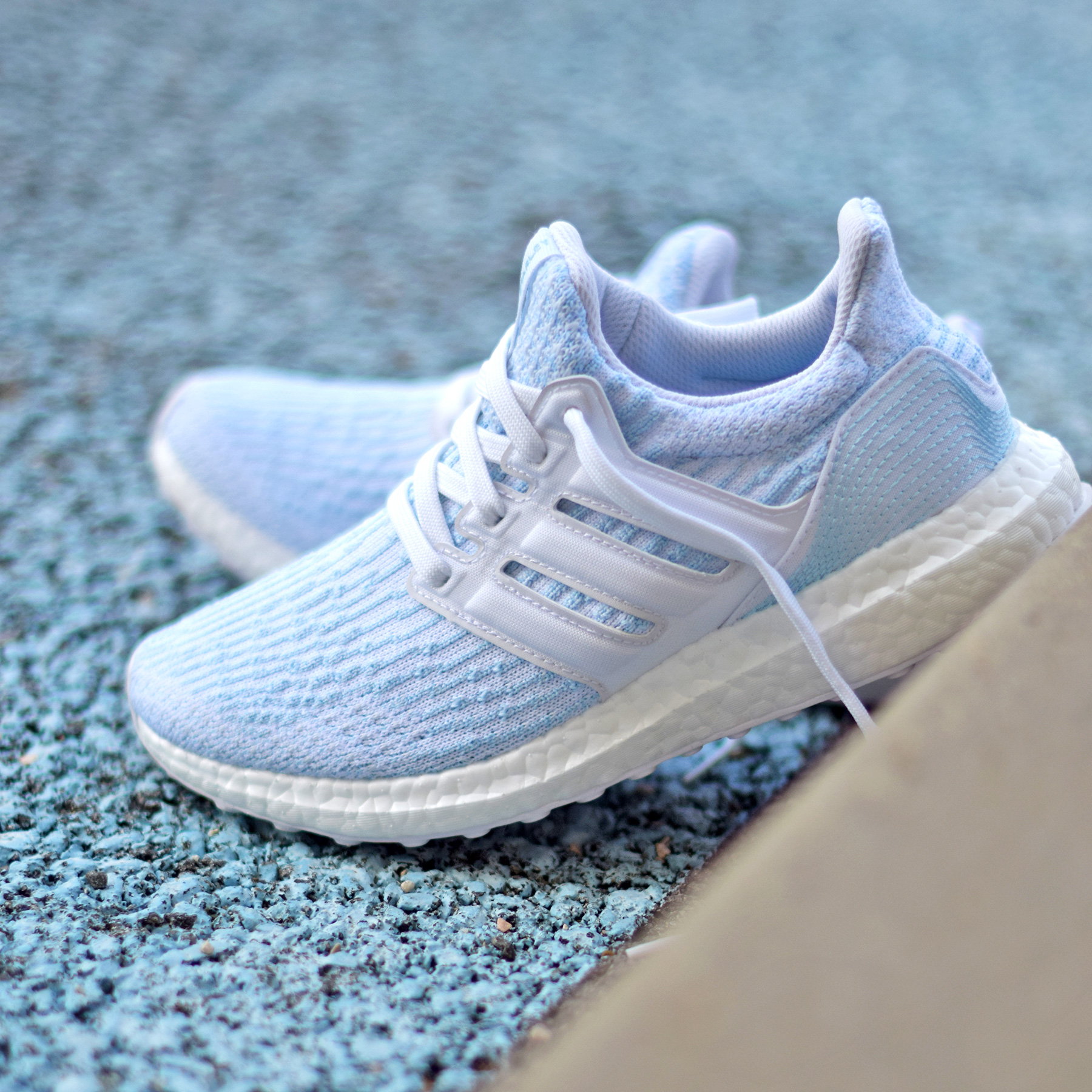 99ae6fb6d5f14 adidas Ultra Boost Parley White Ice Blue - Sneakers.fr