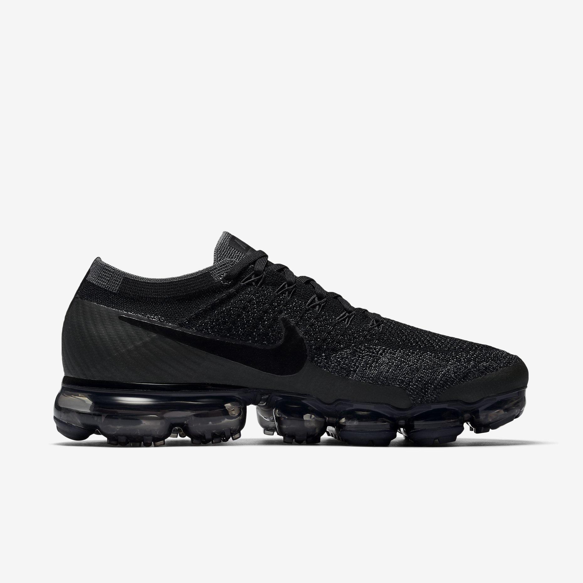 Nike Air Vapormax Flyknit Triple Black - Sneakers.fr