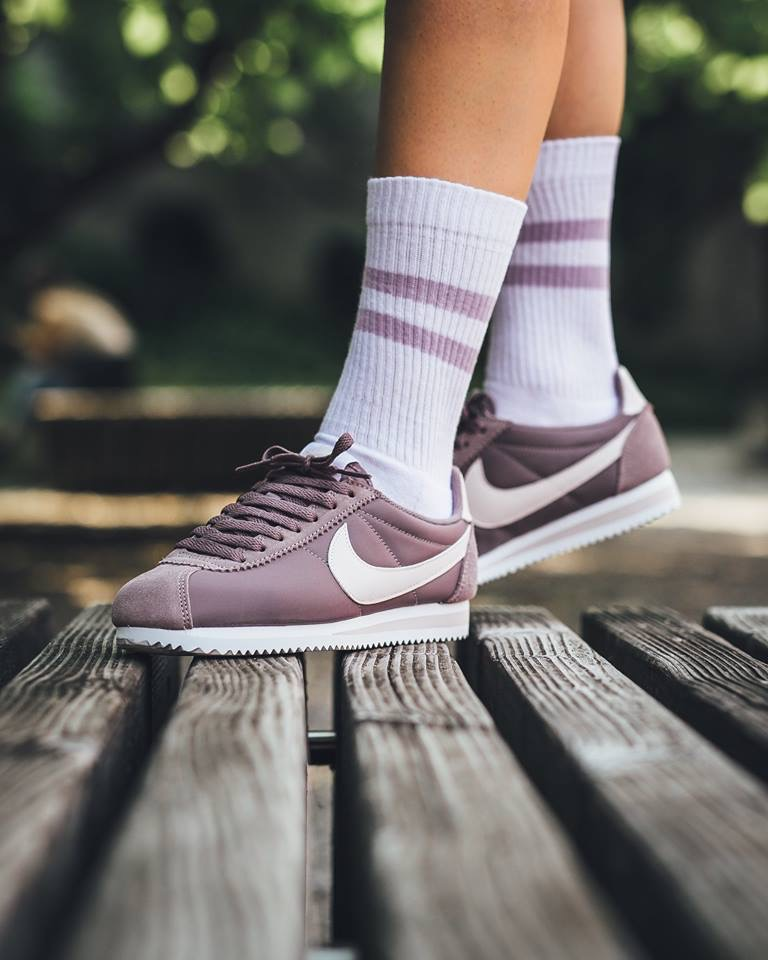 « Taupe Silt Cortez amp; Red Grey Sneakers Nylon W Nike » Classic XqfnIO