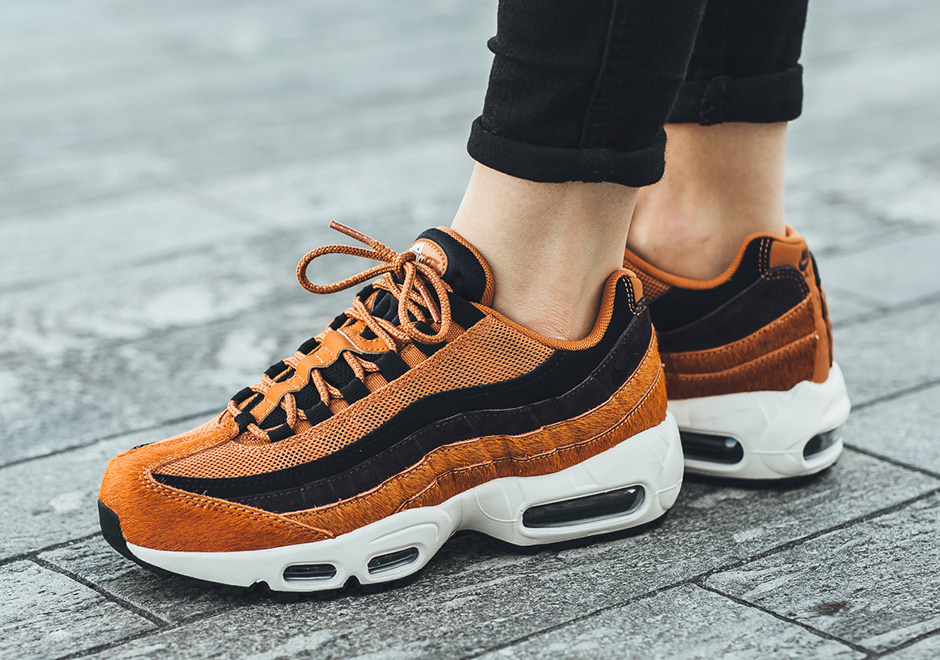 Nike W Air Max 95 LX Pony Hair « Cider » - Sneakers.fr