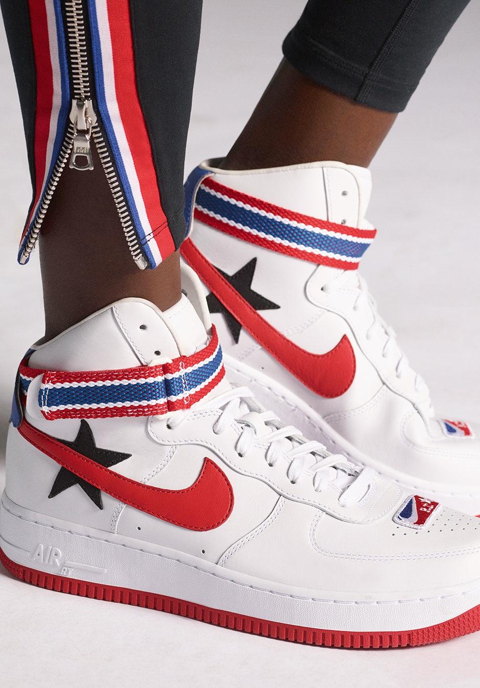 regard détaillé c2b93 89668 Riccardo Tisci x Nike Air Force 1 High - Sneakers.fr