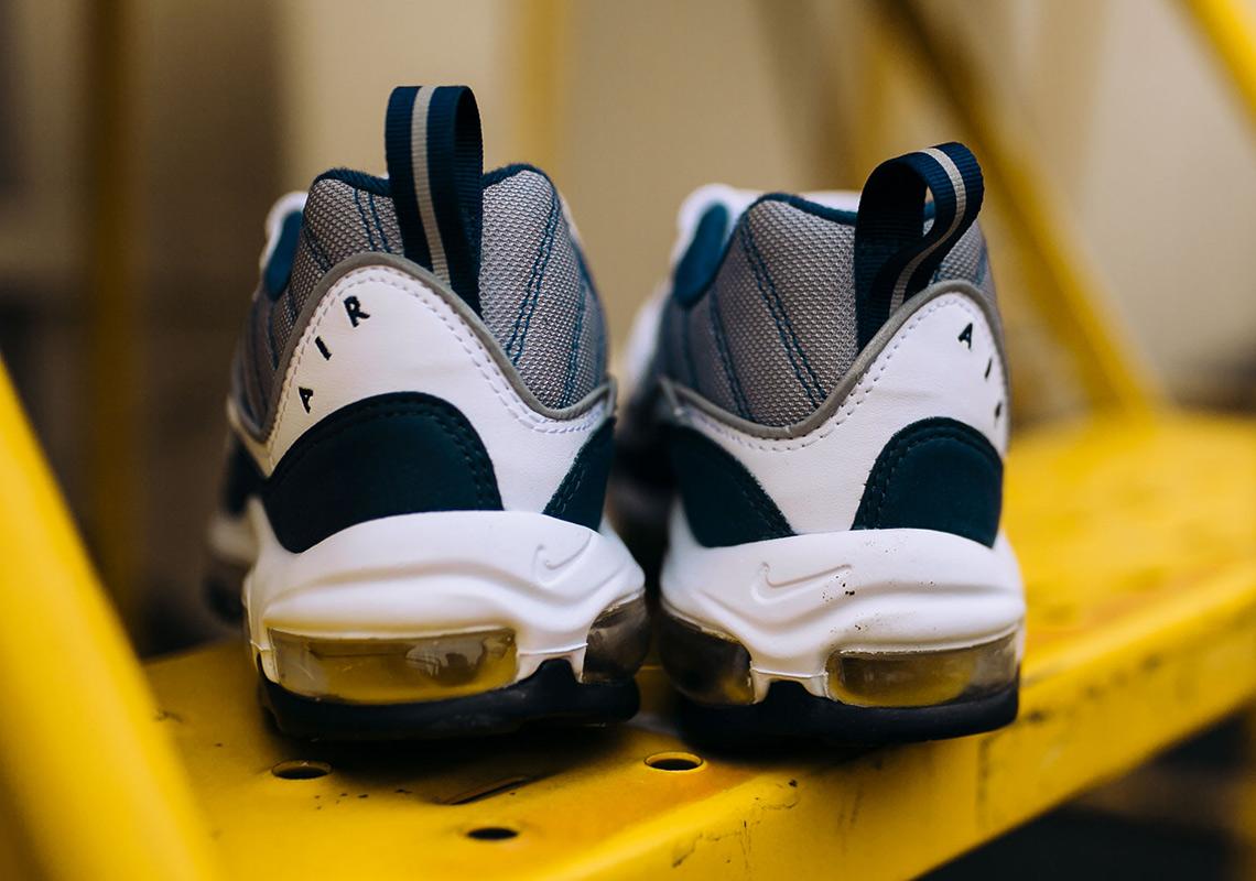 Nike Air Max 98 « Tour Yellow » - Sneakers.fr