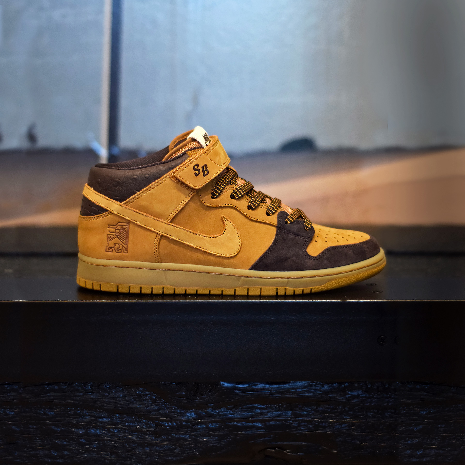 competitive price df380 27d60 Nike SB Dunk Mid Lewis Marnell - Sneakers.fr