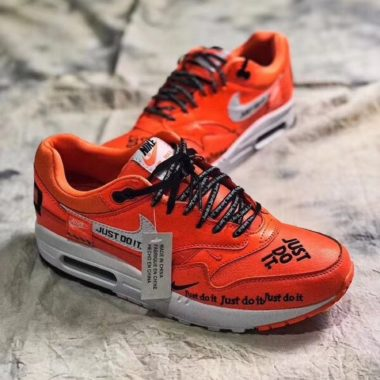 buy online 44dc2 cb416 Nike Air Max 1 « Just Do It » – Orange