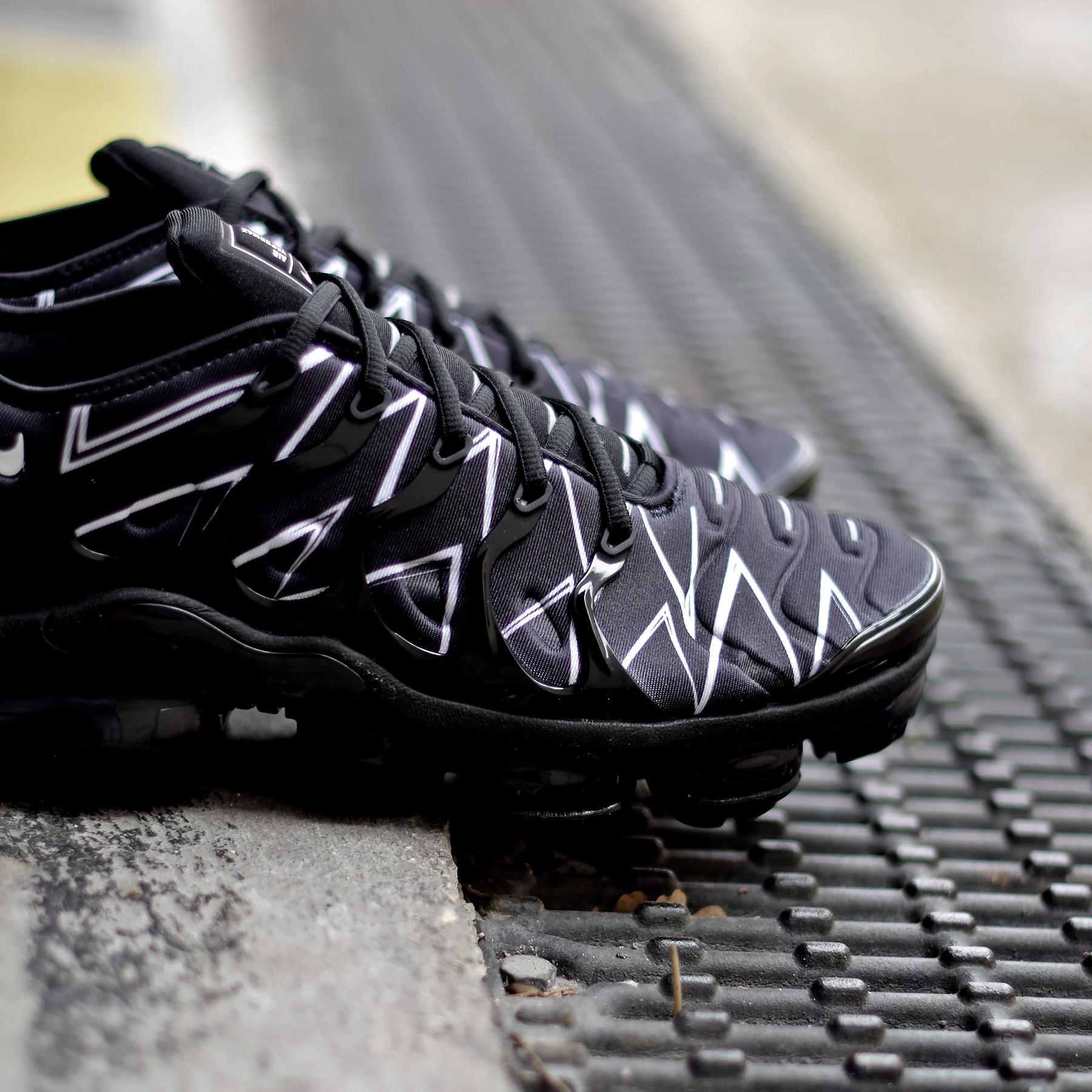 f829cb0733b65 Nike Air VaporMax Plus HL