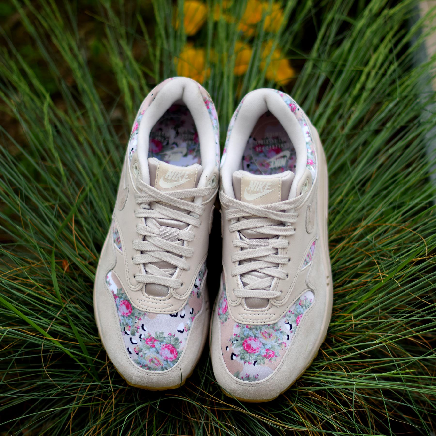 Nike W Air Max 1 Floral Digi Camo