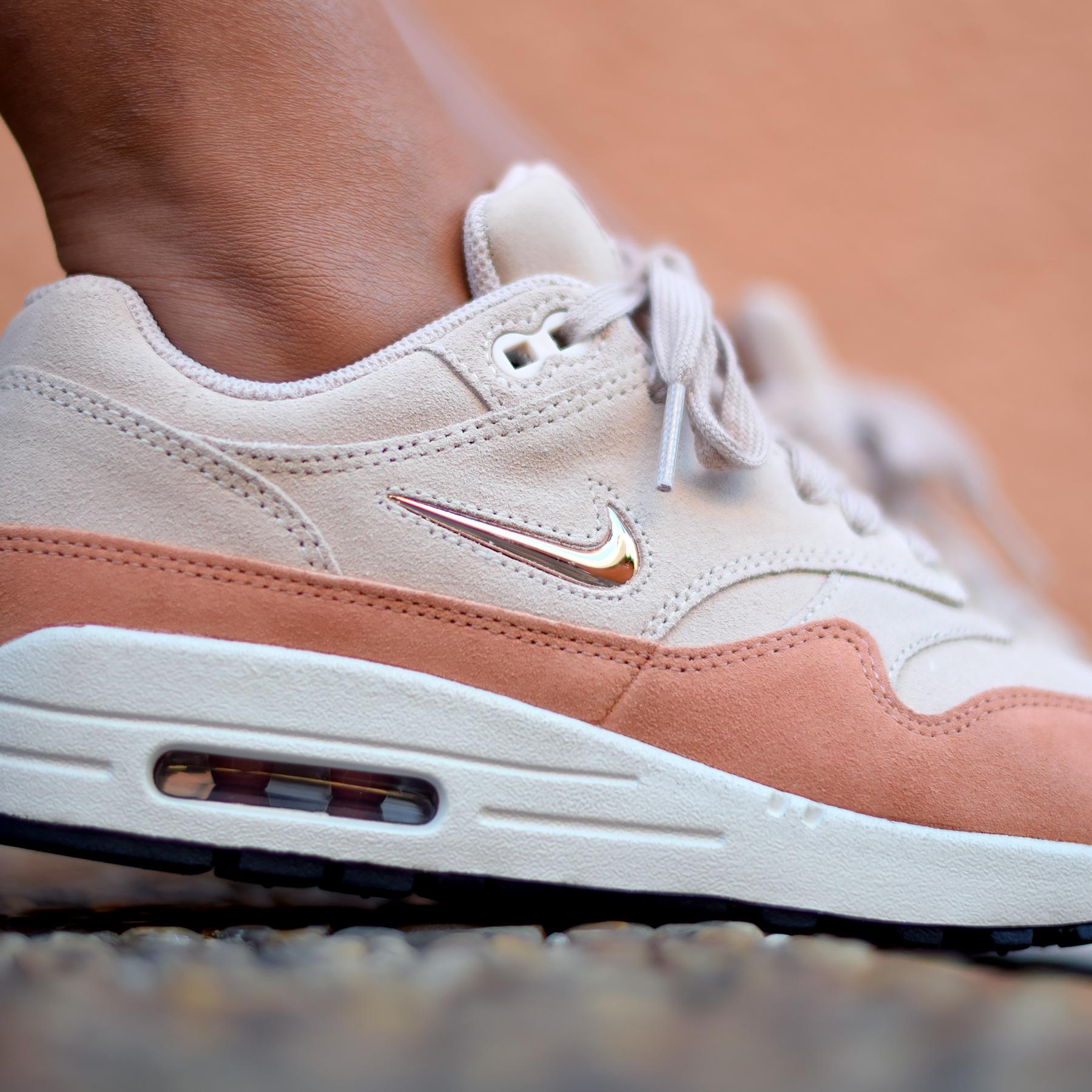 Nike Air Max 1 Jewel Premium - Sneakers.fr