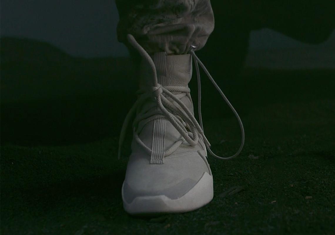 Cenagal cuerda antártico  Fear of God x Nike - Sneakers.fr