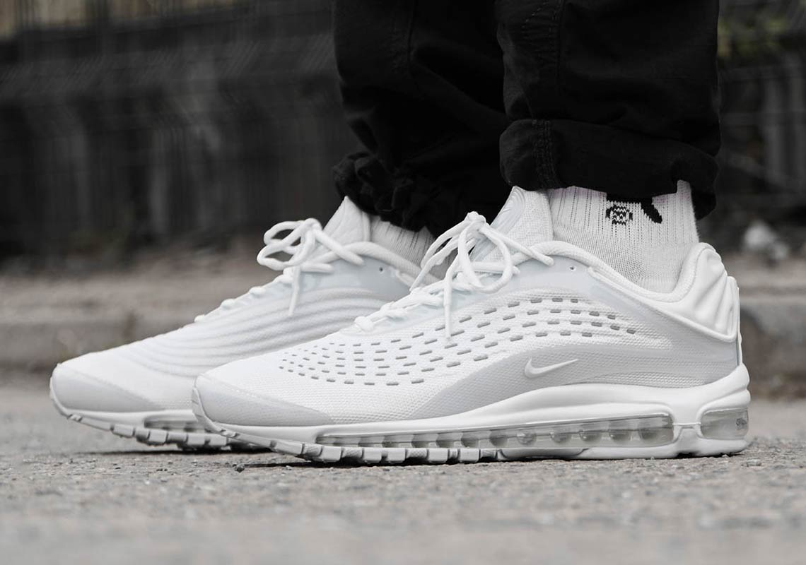 "Nike Air Max Deluxe ""Black And White"""
