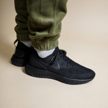 Nike Epic React Flyknit Triple Black