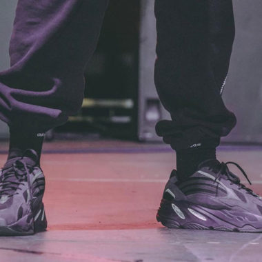 adidas Yeezy Boost 700V2 Triple Black