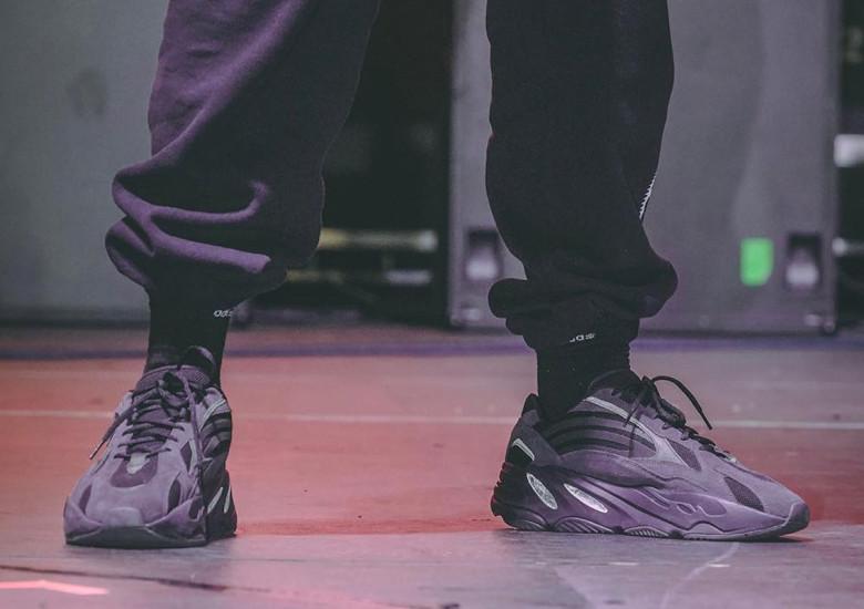 adidas Yeezy Boost 700V2 Triple Black