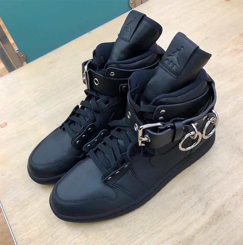 Comme des Garçons x Air Jordan 1 Black