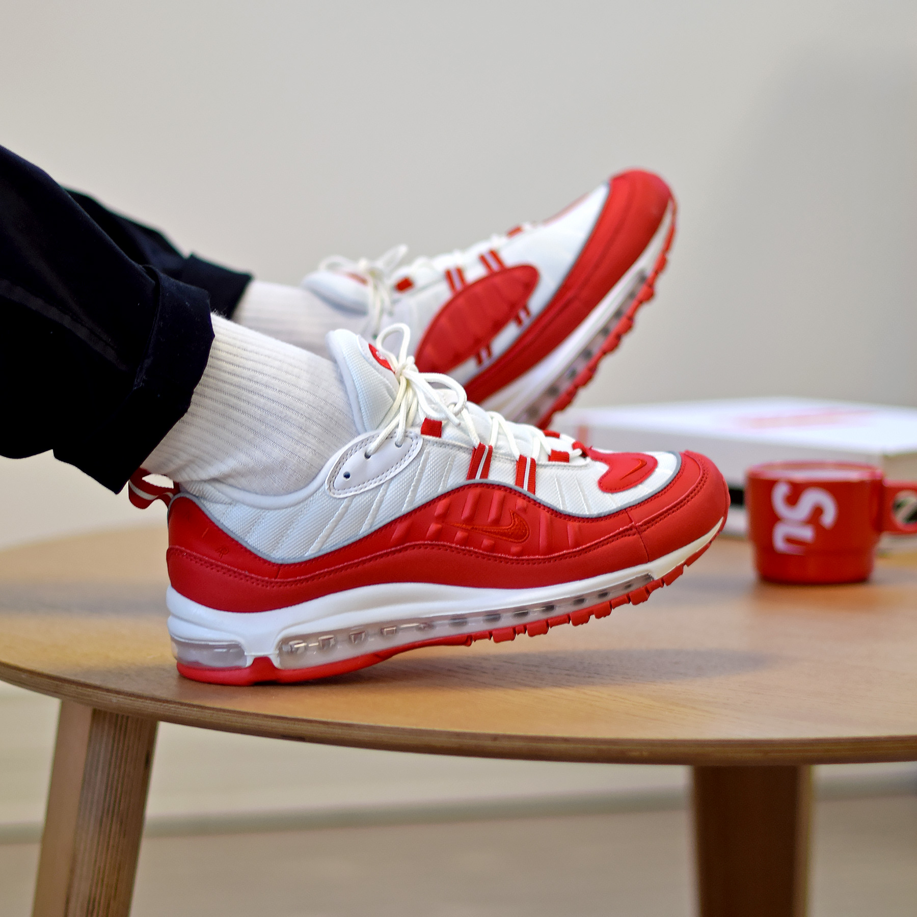 plus récent a7485 dd2bf Nike Air Max 98 White/University Red