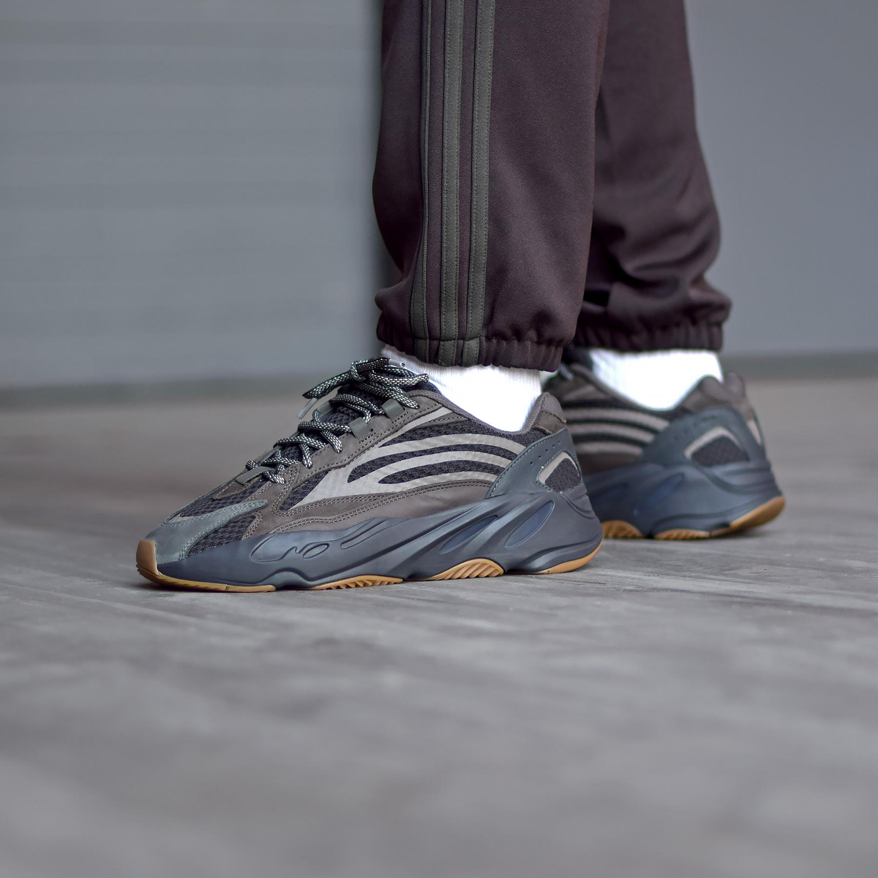adidas Yeezy Boost 700 v2 « Geode »