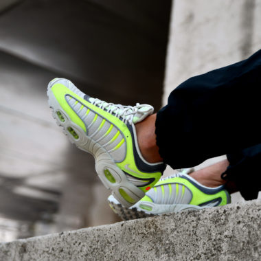 Nike Air Max Tailwind 4 Volt Light Bone