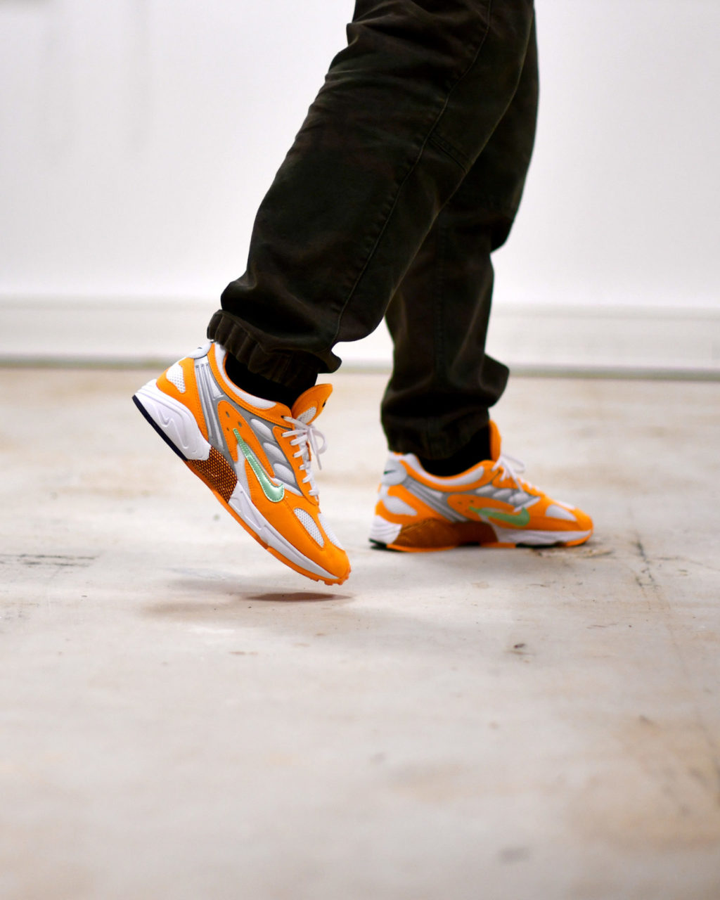 Nike Air Ghost Racer Orange