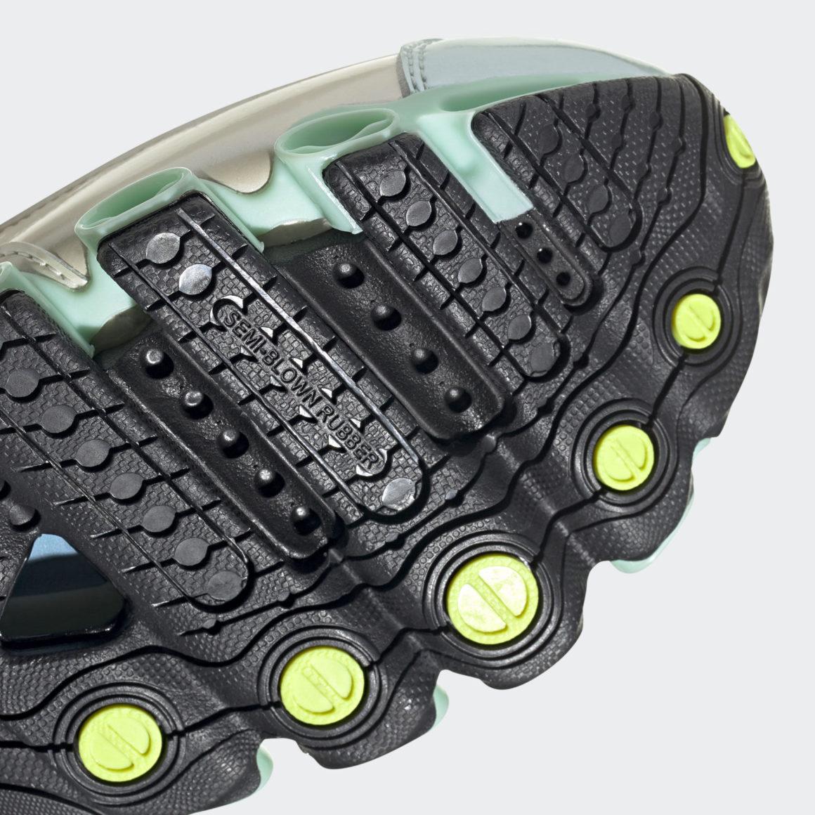 adidas Microbounce T1 Core Black/Cream White