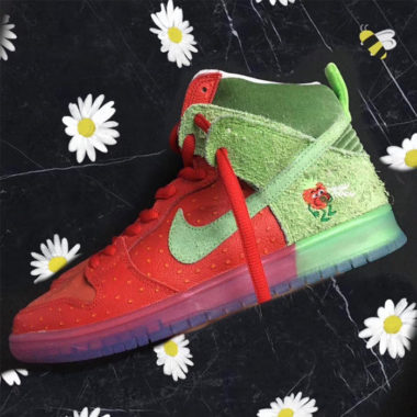 Nike SB Dunk High Strawberry Cough