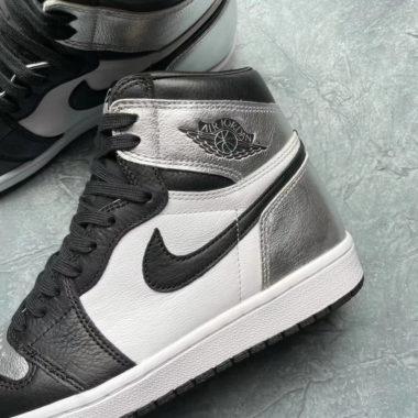 Air Jordan 1 High WMNS Black/Silver Toe