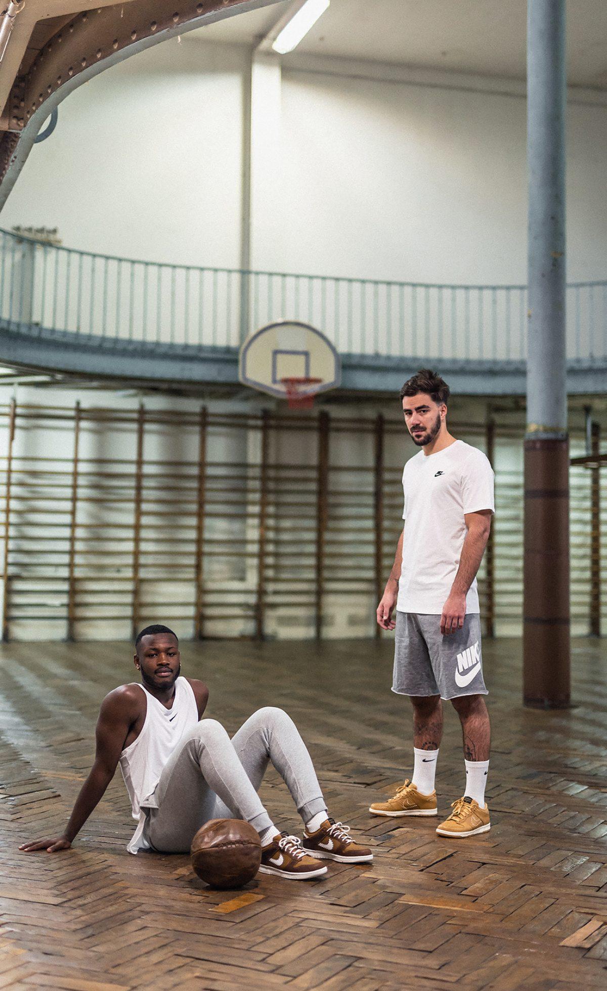 Nike-Dunk-QS-Paris-11