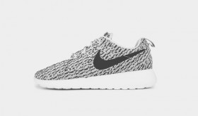 Nike Roshe Run Custom façon Yeezy Boost 350